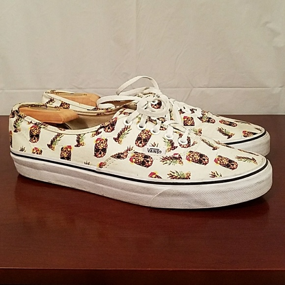 e4e4168038 Vans mens shoes size 10.5 pineapple skulls design.  M 5af4d7fd9a9455842a00089d